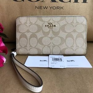 NWT Coach F73418 Signature Large Phone Zip Wallet